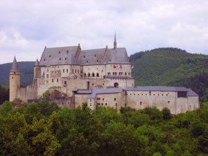 castle-373993_1280